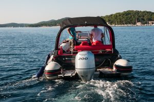 Rent a aquamax speed boat in Mali Losinj and Cres