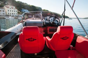 Aquamax speed boat for rent in port of Mali Losinj