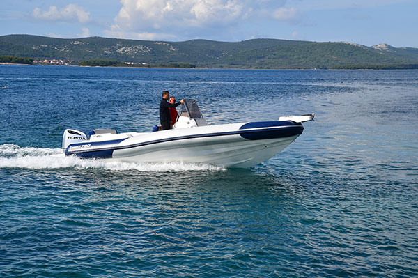 Rent a Marlin 790 speed boats in Mali Losinj